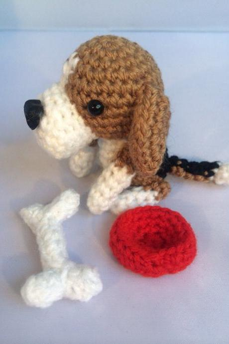 Mini Beagle Crochet Dog with Bone & Bowl, Crochet Toy Animal, Handmade Gift Boxed, Beagle Gift, Dog Lovers Gift, Beagle Toy,